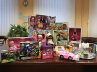 """Akcijā """"Drosmes kaste"""" saziedotās rotaļlietas nosūtītas Latvijas Onkoloģijas centra Bērnu nodaļai"""